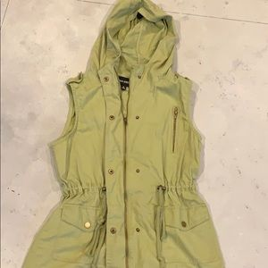 Hunter Green Vest-Size Medium